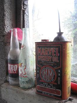 Marvel mystery oil and can