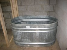 Feed trough as tub